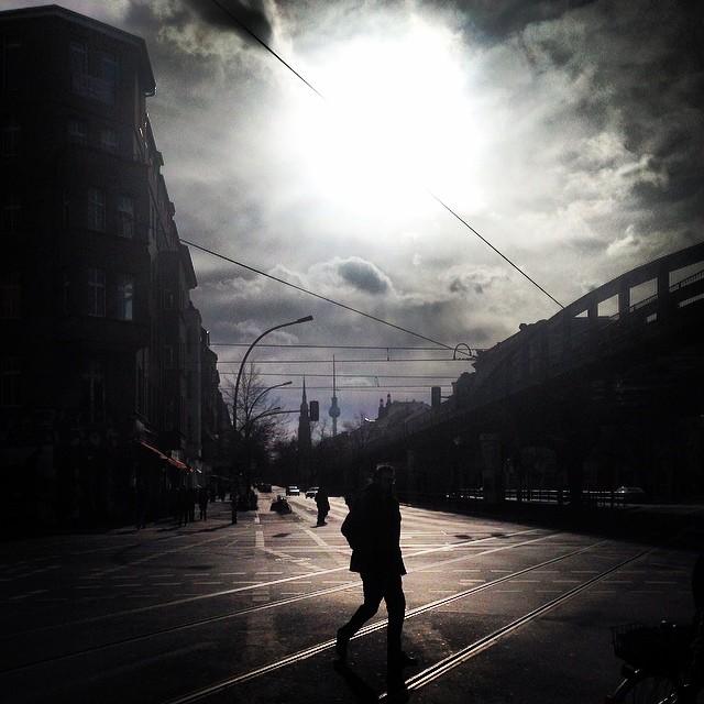 Sonne Eberswalder Straße an einem Sonntag.